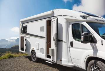 Hire a motorhome in Kelsterbach from private owners| Weinsberg 122 - CaraSuite