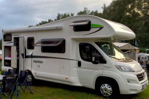 Hire a motorhome in Gilching from private owners| Euramobil Forster FamilyCar