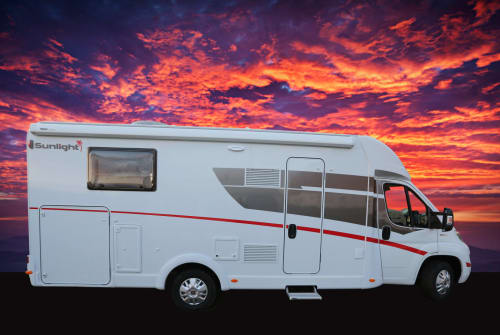 Hire a motorhome in Hagen from private owners| Sunlight  Lilly