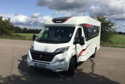 Hire a motorhome in Oeversee from private owners| Hobby ICEMan's Home