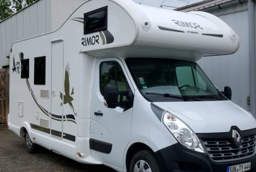 Hire a motorhome in Neustadt an der Orla from private owners| Renault Master 2,3 Diesel 125PS,  Rimor Alkoven