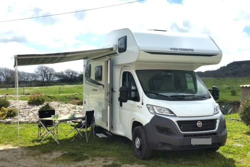 Hire a motorhome in Bulzi from private owners| Weinsberg La Cara