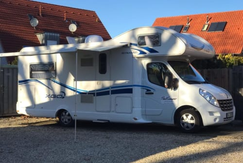 Hire a motorhome in Herford from private owners  Renault Schusterscamper