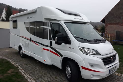 Hire a motorhome in Treffurt from private owners| Sunlight FIT-Mobil