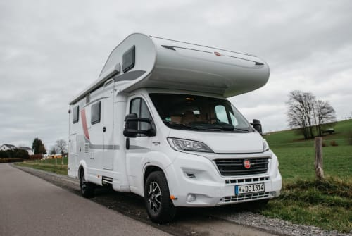 Hire a motorhome in Köln from private owners| Bürstner Lisbeth