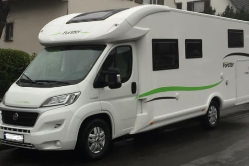 Hire a motorhome in Velbert from private owners| Forster Eddi
