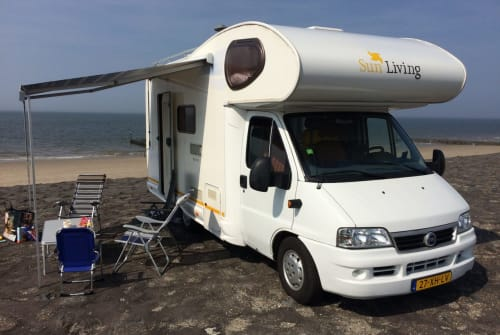 Hire a motorhome in Haarlem from private owners| Fiat Camper 4/5 pers