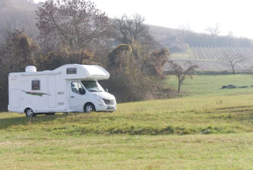 Hire a motorhome in Donnersdorf from private owners| XGO Dreamer
