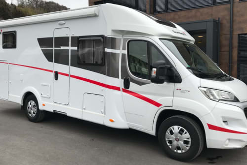 Hire a motorhome in Schwabach from private owners| Sunlight Sunny T67 2020