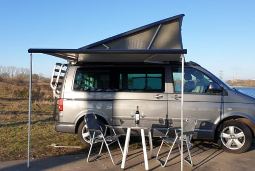 Hire a motorhome in Cuijk from private owners  Volkswagen T5 California T5