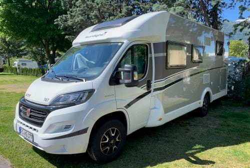 Hire a motorhome in Hallbergmoos from private owners| Sunlight  Sunlight