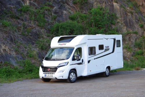 Hire a motorhome in Bendorf from private owners| Pilote Pilote P 746 GJ