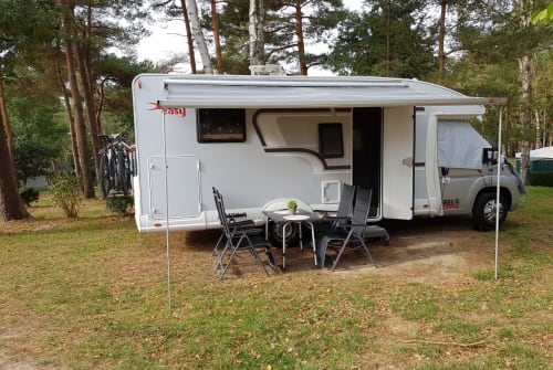 Hire a motorhome in Wülfrath from private owners| Bella Easy Bella