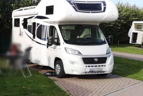 Hire a motorhome in Altena from private owners| Rimor Indiana