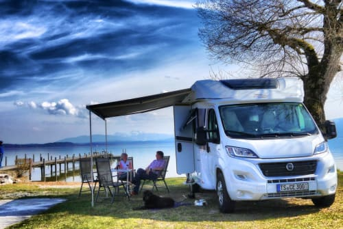 Hire a motorhome in Ruhpolding from private owners| Carado SunCa T 348