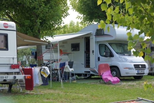 Hire a motorhome in Ottendorf-Okrilla from private owners| Carado Heia-Auto A464