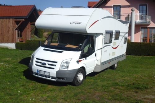 Hire a motorhome in Tännesberg from private owners| Ford Carado A 241 Kätzchen