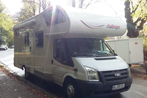 Hire a motorhome in Lübeck from private owners| Ford Campi