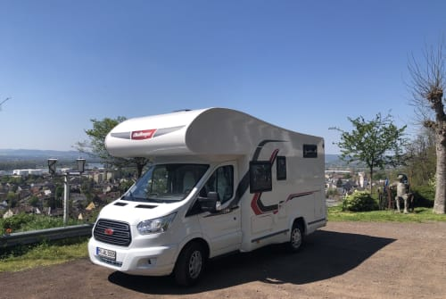 Hire a motorhome in Bendorf from private owners| Challenger Merian