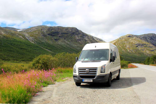 Hire a motorhome in Erfurt from private owners  VW Bomke