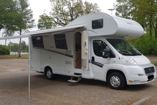 Hire a motorhome in Bodegraven from private owners| Dethleffs Trend A 6977