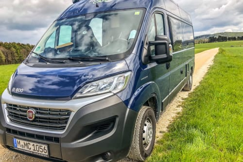 Hire a motorhome in Waiblingen from private owners  RoadCar R600 StuttgartCamper