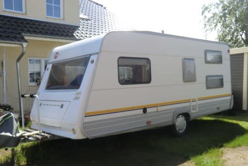 Hire a motorhome in Börnsen from private owners| Bürstner Sam