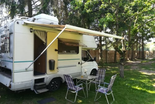 Hire a motorhome in Erfurt from private owners  Ford Portofino