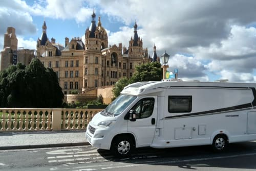 Hire a motorhome in Schwerin from private owners  Weinsberg Schneckenhaus