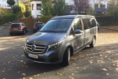 Hire a motorhome in Paderborn from private owners| Mercedes Benz Carpe Diem