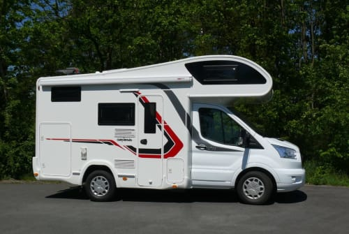 Hire a motorhome in Berlin from private owners| Ford C194 Genesis Genesis C-194