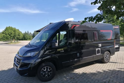 Hire a motorhome in Krauschwitz from private owners| Challenger  Uschi