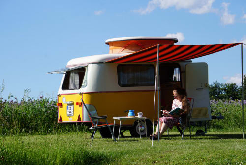 Hire a motorhome in Östringen from private owners| Hymer Erbse