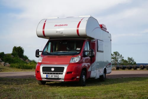 Hire a motorhome in Kiel from private owners| Dethleffs Bärenhöhle