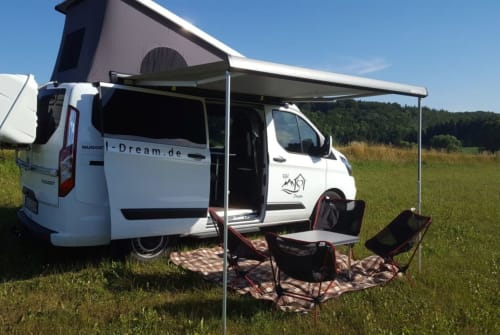 Hire a motorhome in Fleringen from private owners| Ford Eifel Dream