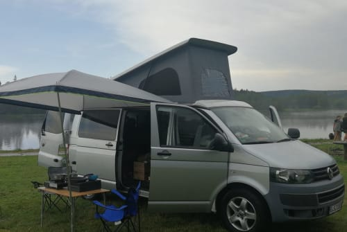 Hire a motorhome in Berlin from private owners| Volkswagen Einstein
