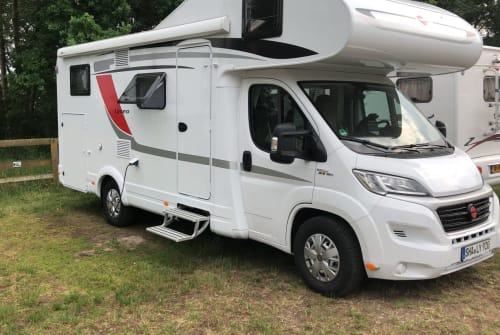 Hire a motorhome in Mainhardt from private owners| Bürstner  Isadora