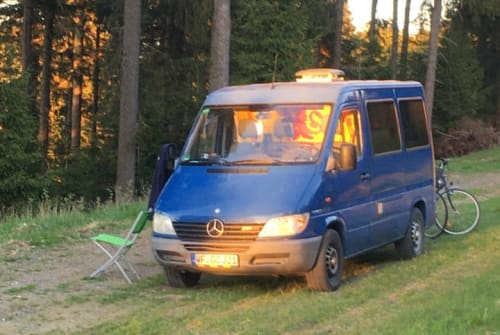 Hire a motorhome in Braunschweig from private owners| Mercedes Benz Blue Lion