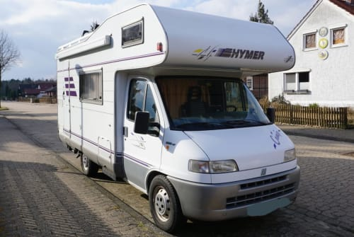 Hire a motorhome in Südheide from private owners| Hymer Womo
