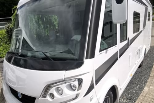 Hire a motorhome in Illmensee from private owners| KNAUS  VAN I PLATINUM