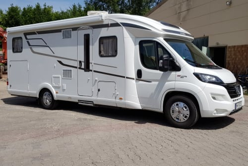 Hire a motorhome in Heilbronn from private owners| Hymer Campi * NEW*