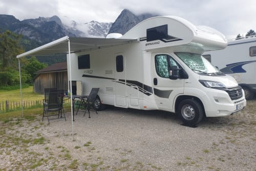 Hire a motorhome in Augsburg from private owners| XGO Karina