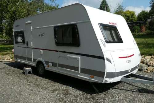 Hire a motorhome in Reichenbach im Vogtland from private owners| Dethleffs Familiencamper