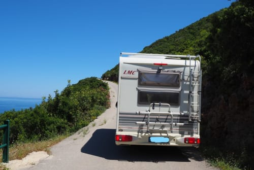 Hire a motorhome in Bad Segeberg from private owners| LMC Kalli