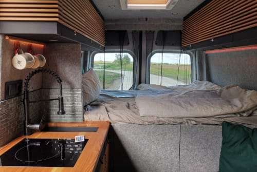 Hire a motorhome in Hamburg from private owners| VW Hafenmeister