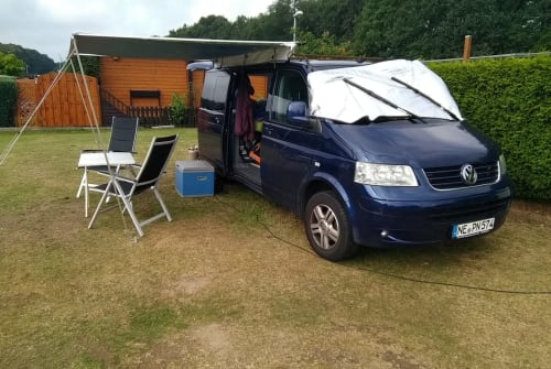 Hire a motorhome in Grevenbroich from private owners| VW Rudolf