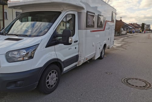 Hire a motorhome in Nittenau from private owners| Roller Team Nobbi