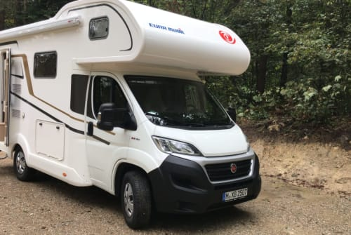 Hire a motorhome in München from private owners| Eura Mobil Campinski