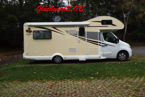 Hire a motorhome in Oberhausen from private owners| Ahorn  Glücksmobil OB