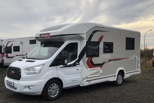 Hire a motorhome in Herford from private owners  Challenger  Challenger 358